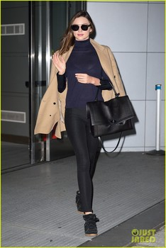 miranda-kerr-dresses-differently-for-every-city-she-visits-01.jpg
